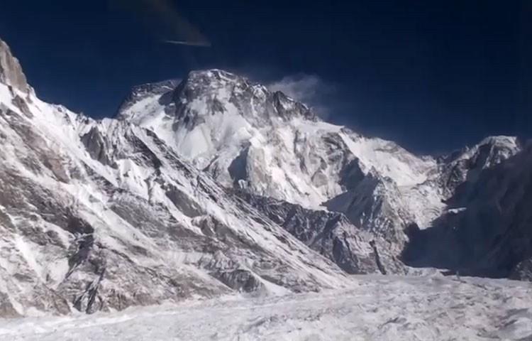 A por el Broad Peak invernal. Foto: Denis Urubko