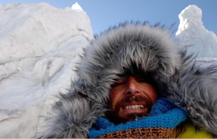 Alex Txikon en la Cascada del Khumbu. Foto: Alex Txikon
