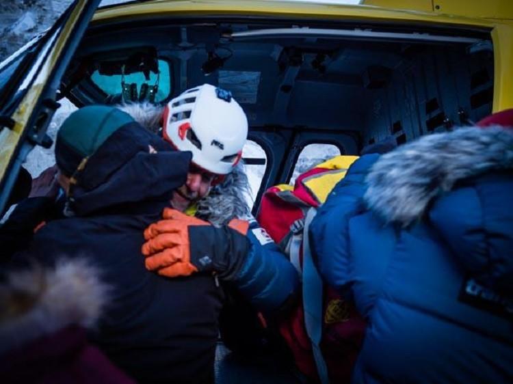 Óscar Cardo, evacuado del campo 2 del Everest. Foto: Alex Txikon