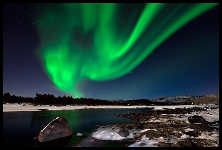Las auroras boreales pueden presentar caprichosas formas. Alta, Noruega. Foto: Javier Camacho