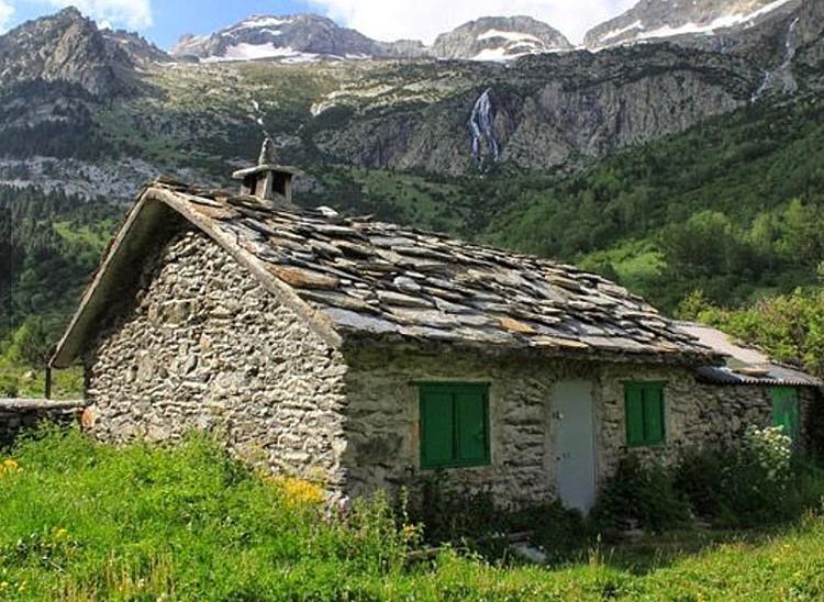 La Cabaña de Turmo, en el valle de Estós. Foto: Chema Ramón, Hotel la Casa del Río