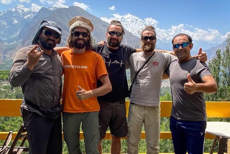 El equipo de Felix Berg, en Pakistán. Foto: FB Summit Travel