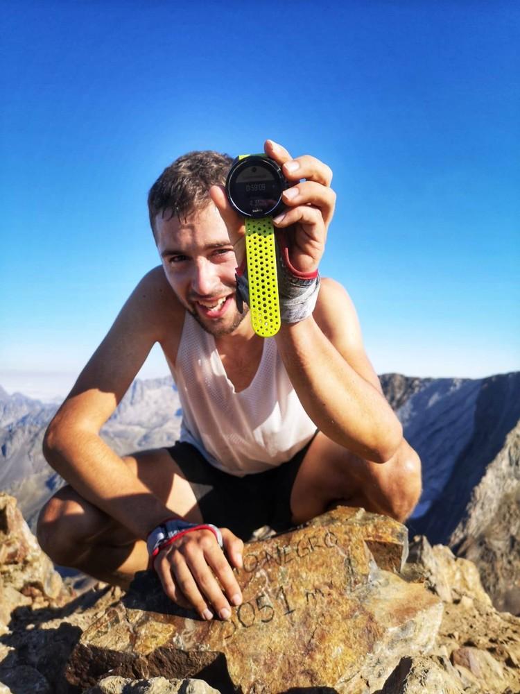Daniel Osanz, en la cima del Garmo Negro. Foto: FB Daniel Osanz