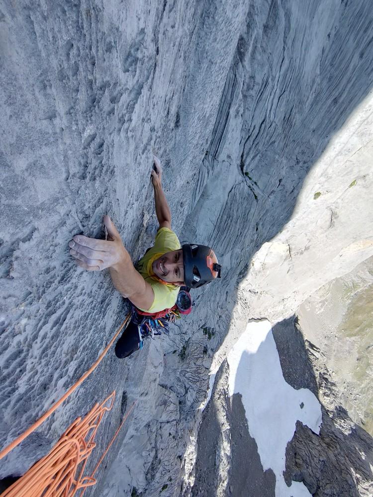 Verticalidad y agarres pequeños para los Pou y cerdá en Peña Santa. Foto: hermanos Pou