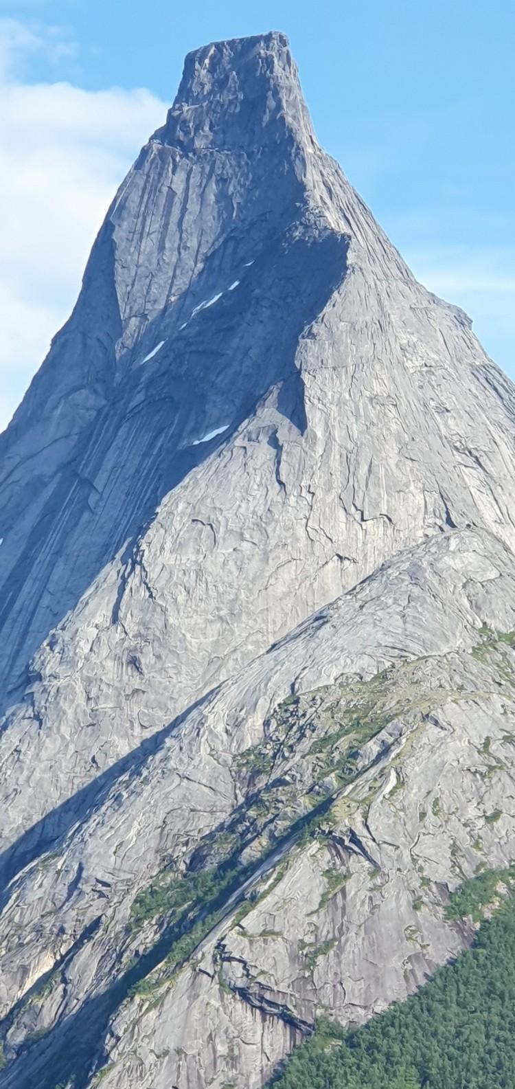 La Pirámide de Stetind. Foto: Robert Jasper