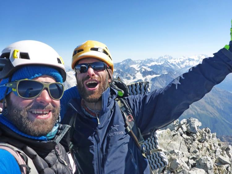 Badriashvili y Tepnadze en la cima del Ushba. Foto: FB Badriashvili