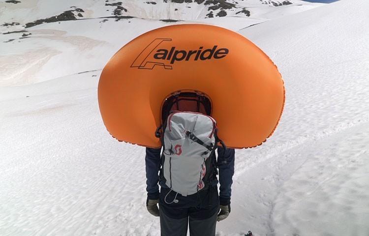 Mochilas Airbag, fundamentales si nos alcanza una avalancha. Foto: Barrabes