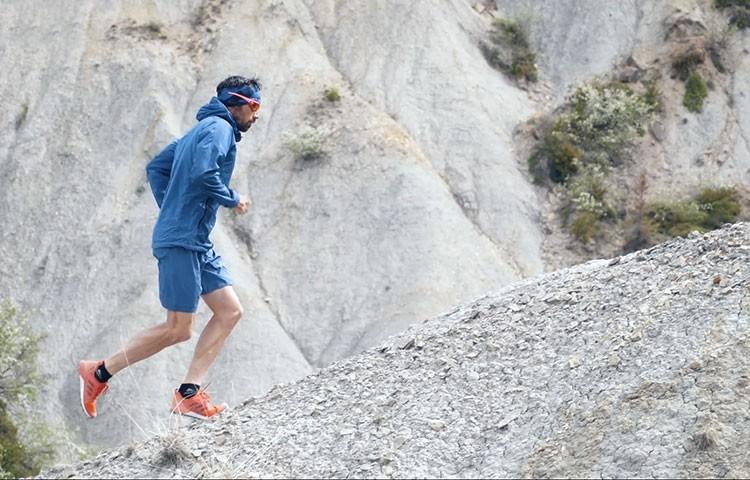 Luis Alberto Hernando, entrenando en los alrededores de Jaca. Foto: Barrabes/Adidas Terrex