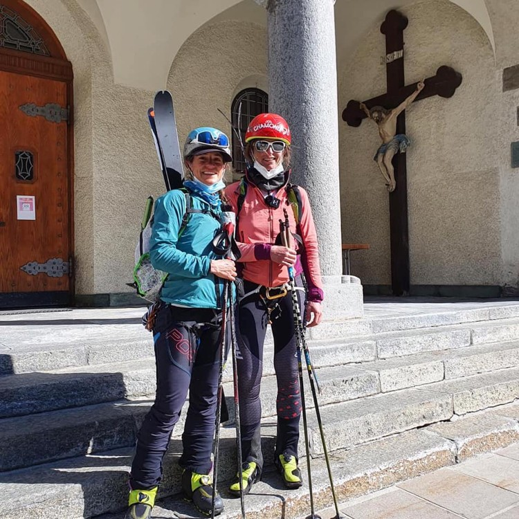 Valentine Fabre y Hillary Gerardy, en la iglesia de Zermatt. Foto: FB V. Fabre, Ben Tibbetts Phot