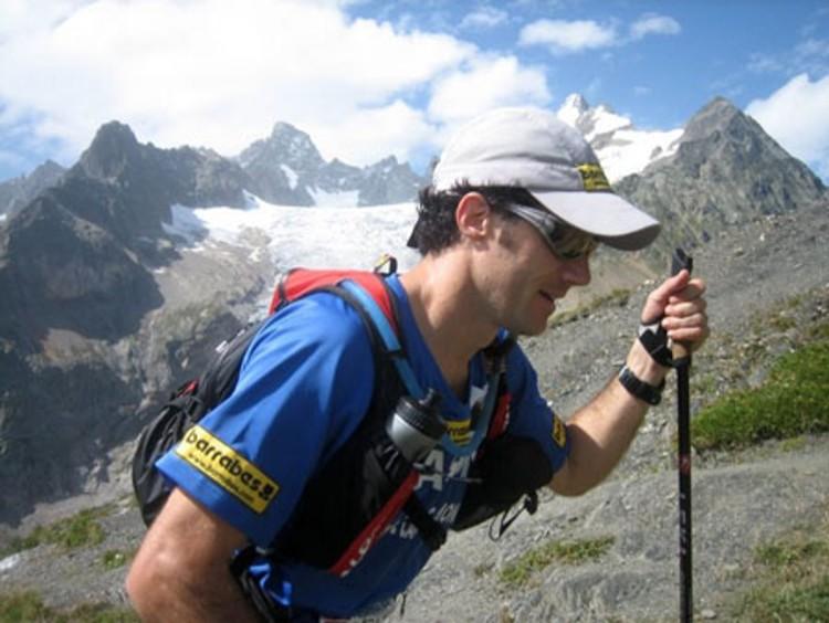 Nuestro compañero Fernando Tomás, en la Ultra Trail del Mont Blanc. Foto: Barrabes, F. Tomás