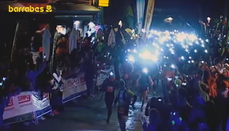 Comienza el Gran Trail Aneto-Posets en las calles de Benasque. La salida es a las 12 de la noche