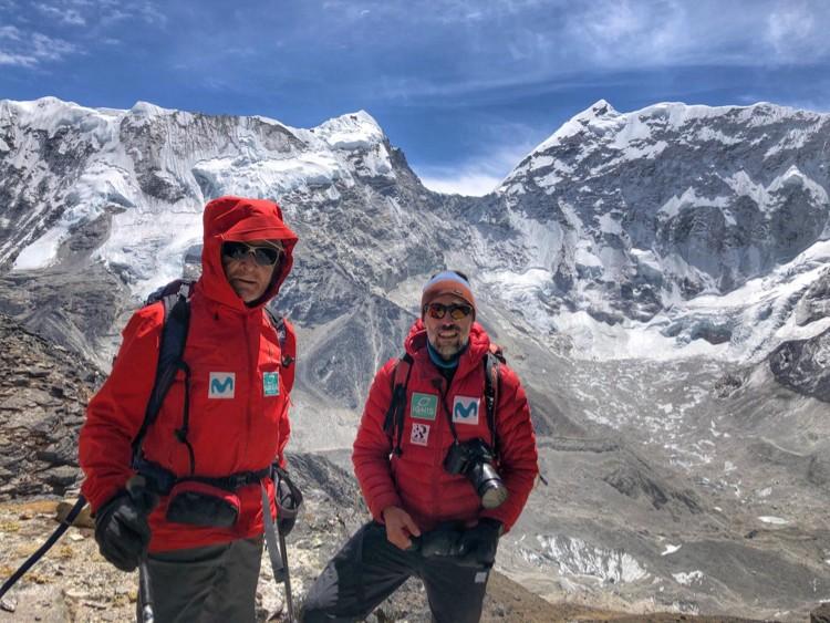 Carlos Soria y Sito Carcavilla, aclimatando en el Khumbu. Foto: Yo subo con Carlos Soria