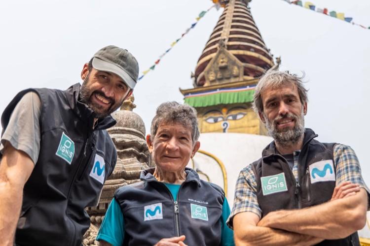 Luis M. Soriano, Sito Carcavilla y Carlos Soria en Katmandú. Foto: Yo Subo con Carlos Soria