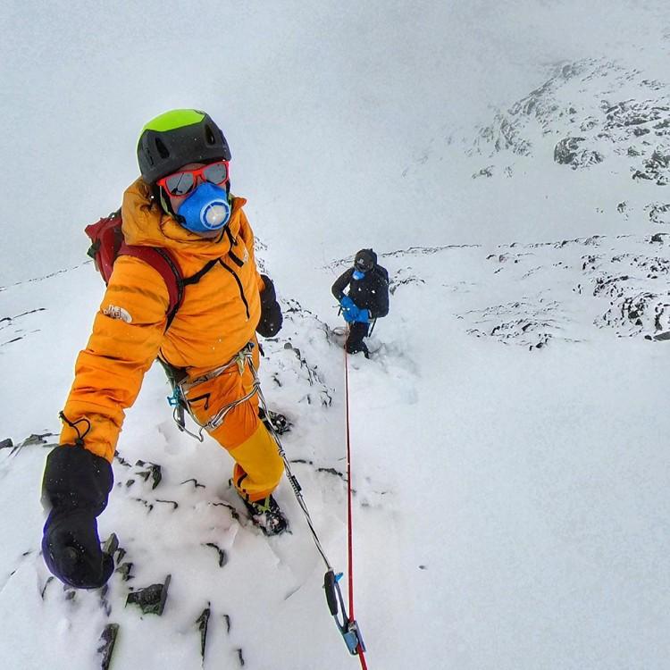 David Goettler y Kiliian Jornet, en la pared el Lhotse. Foto: David Goettler