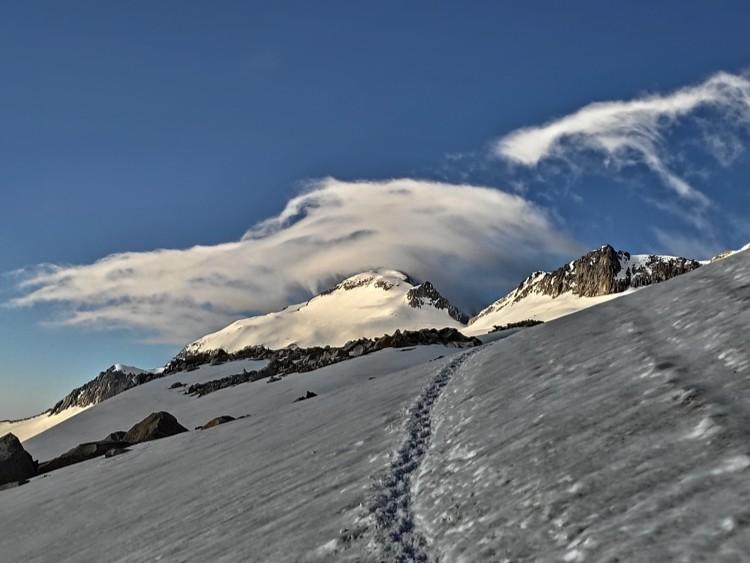 Suelo cubierto de nieve en la aproximación desde el Portillón. Foto: Maspirineo