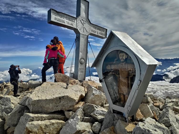 El momento tan deseado: en la cima del Aneto. Foto: Maspirineo