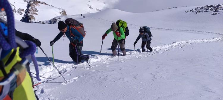24 de junio, 30 centímetros de nieve nueva en el Aneto. Foto: Chemary Carrera, Maspirineo