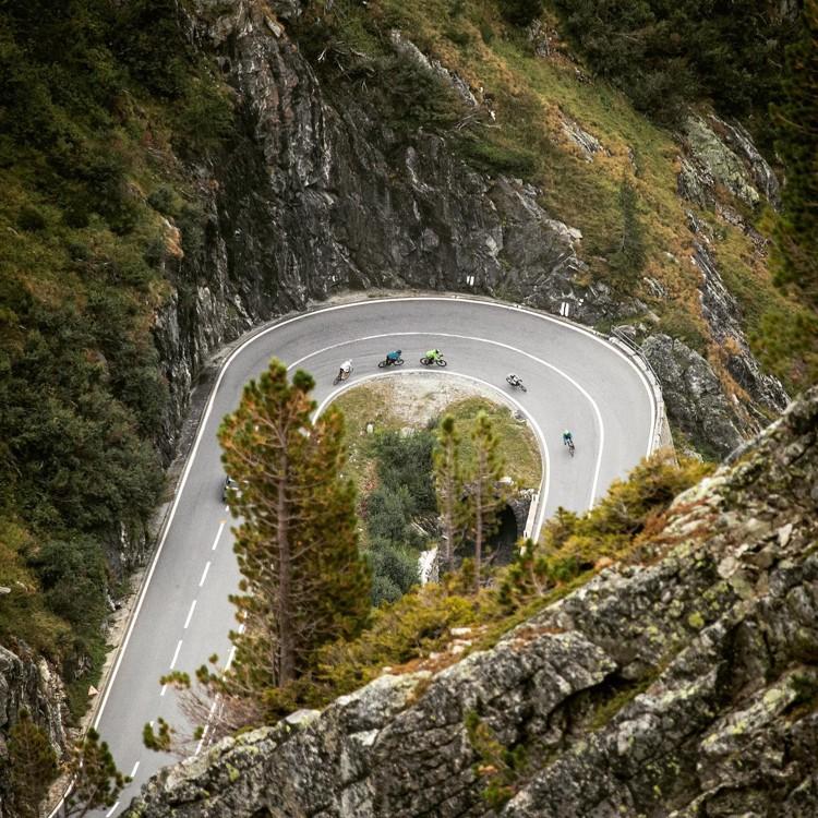 Entre Grindelwald y Zermatt en bicicleta. Foto: FB: Roger Schaeli