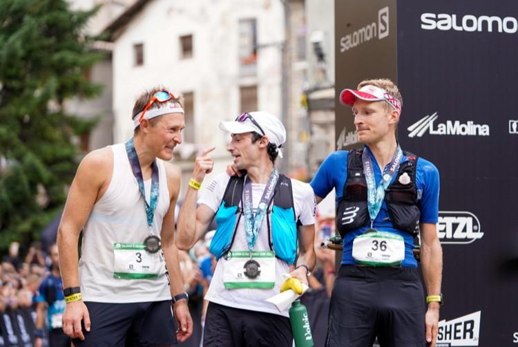 3 primeros clasificados Ultra Pirineu, en meta. Crédito: Diego Winitzky