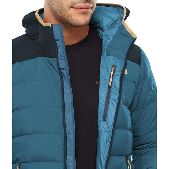 The North Face La Paz Hooded Jacket - Photo of detail