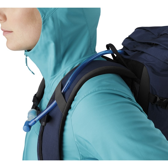 Arc'teryx Brize 25 - Photo of detail