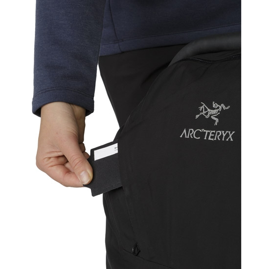 Arc'teryx V80 Rolling Duffel - Photo of detail