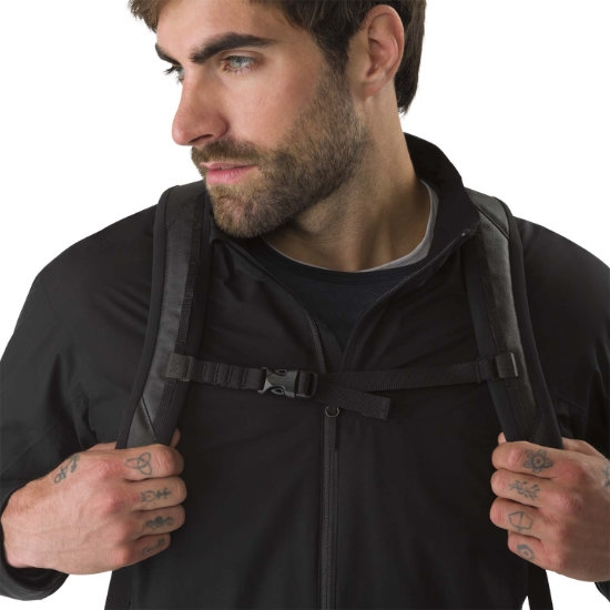Arc'teryx Granville Zip 16 - Photo of detail